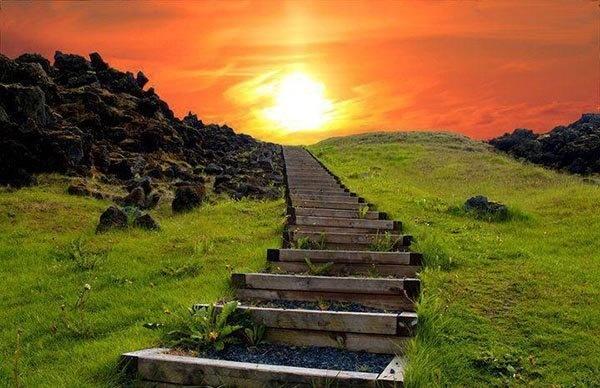 پله هایی به بهشت