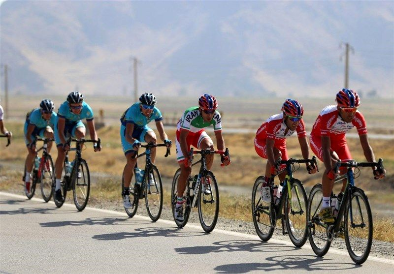 رکابزنی دوچرخهسواران از آستارا برای تکریم کادر درمانی کشور