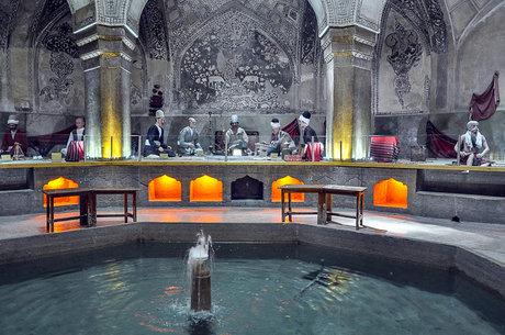 نشستی برای دیوارنگارههای حمام وکیل شیراز