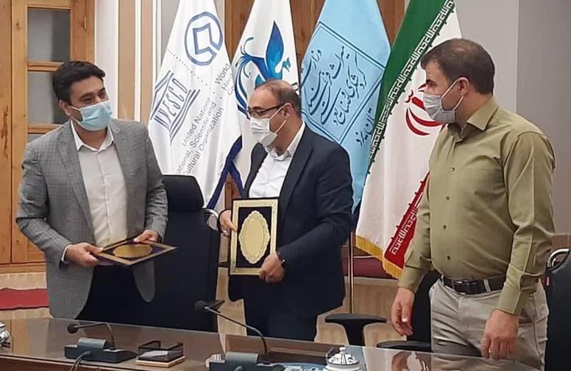 مسوولان هیات سوارکاری و میراث فرهنگی یزد تفاهم نامه امضا کردند