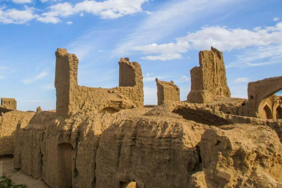 «قلعه عمرانی گناباد» مصداق سازگاری با طبیعت