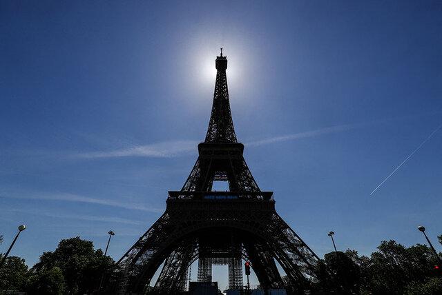 گردشگرها به پاریس برنگشتهاند