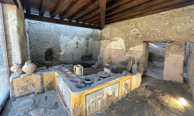 باز شدن غذافروشی باستانی به روی مردم