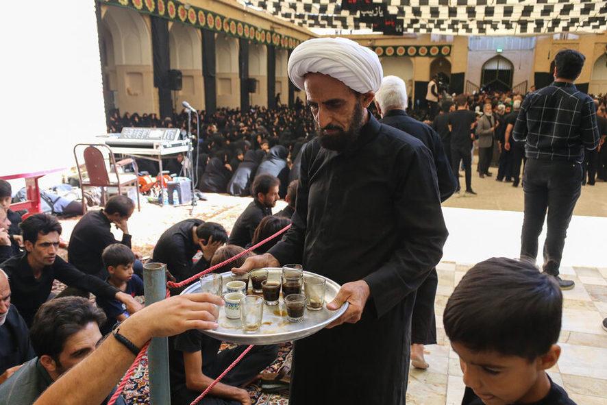 پذیرایی از عزاداران یزدی با قهوهای ۴۰۰ ساله