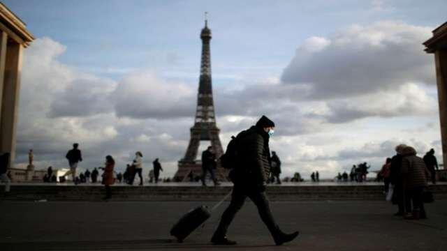 حذف آمریکا از فهرست امن مسافرتی فرانسه