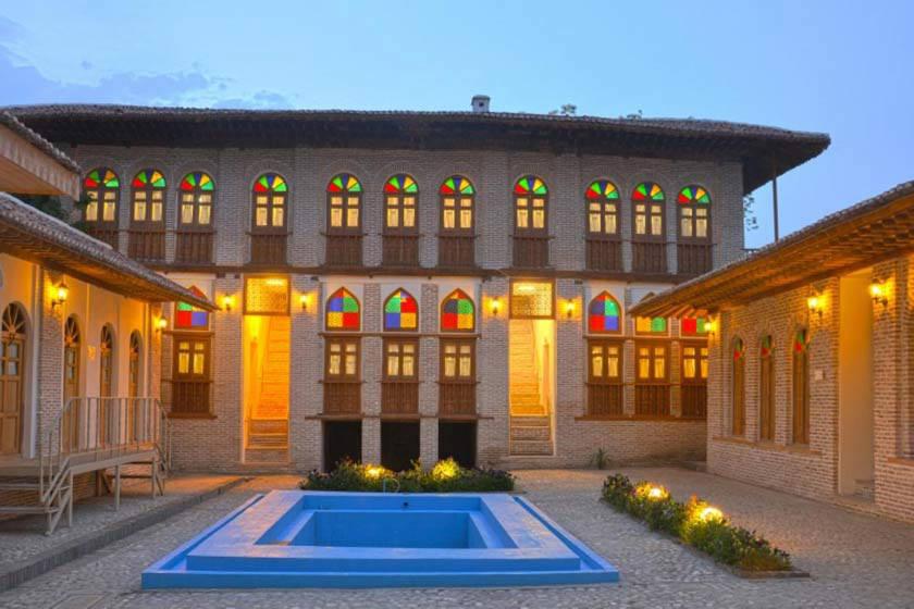 موزه صنایع دستی گلستان در خانه تاریخی امیر لطیفی