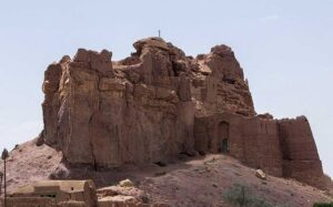 مهمترین قلعه یزد بر بلندای شواز