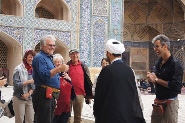 اعلام موضع حوزه علمیه درباره گردشگری