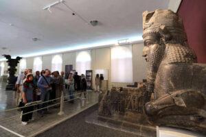 عکاسی در موزهها ممنوع نیست