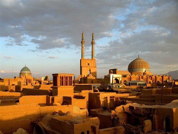آغاز فعالیت استاندار یزد با حضور در بافت تاریخی جهانی